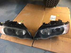 BMW X5 xenon headlight , have halogen too for Sale in Medford, OR