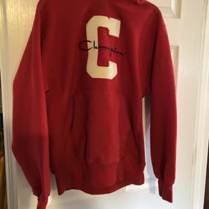Champion Hoodie Size M for Sale in Oakwood, GA