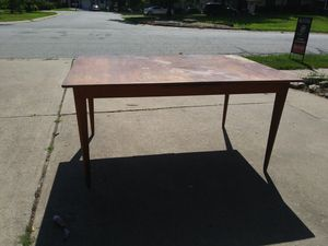Wood table w/extension for Sale in Shawnee, KS