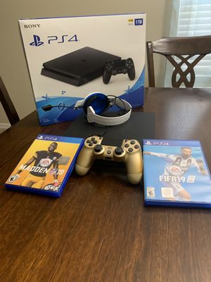 Ps4 slim 1tb with one controller turtle beach headphones and 2 games for Sale in Windermere, FL
