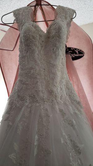 BEAUTIFUL WEDDING DRESS MAGGIE SATTERRO SUZE 10 for Sale in Battle Ground, WA