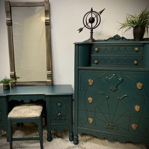 Antique Dresser, Vanity, Stood And Mirror for Sale in Franklin, TN