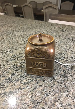 Light up scentsy warmer for Sale in Jurupa Valley, CA