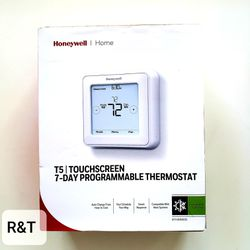 Honeywell Home T5 7-Day Programmable Thermostat with Touchscreen Display for Sale in Fullerton,  CA