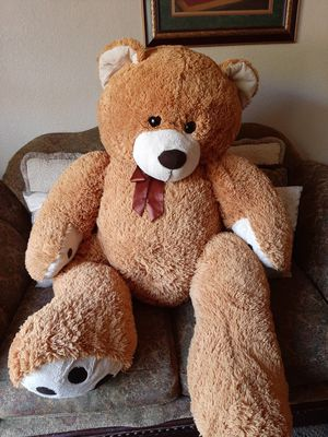 Large teddy bear for Sale in Sanger, CA