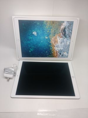 Apple iPad Pro 12.9 Inches Comes With Charger and Box $549 for Sale in Hialeah, FL