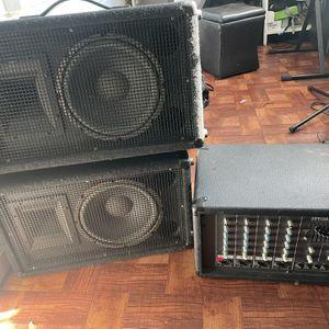 Amplificador Con Dos Bocinas for Sale in Oakland, CA