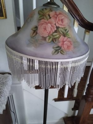 Beautiful Victorian floor lamp for Sale in Chicago, IL