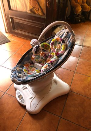 MamaRoo for Sale in Compton, CA