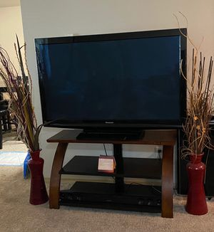 Entertainment stand and side decor for Sale in Vancouver, WA