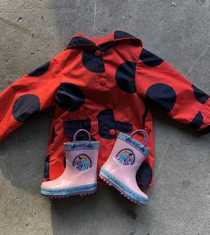 Toddler girls raincoat and boots for Sale in Bloomington, CA