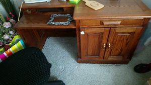Desk and filing cabinet for Sale in Fresno, CA