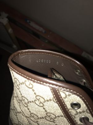 Gucci size 9 for Sale in Denver, CO