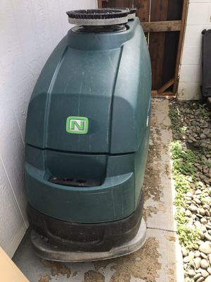 Auto scrub floor machine for Sale in Ewa Beach, HI