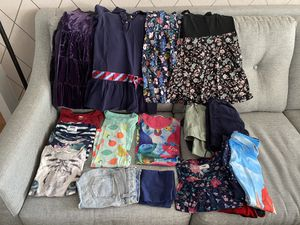 Girls clothes size 6-7 - 20 items for Sale in New York, NY