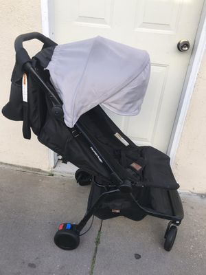 MOUNTAIN BUGGY STROLLER for Sale in Torrance, CA