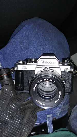 Nikon camera i have this a bunch other and a bunch of lenses for Sale in Tacoma, WA