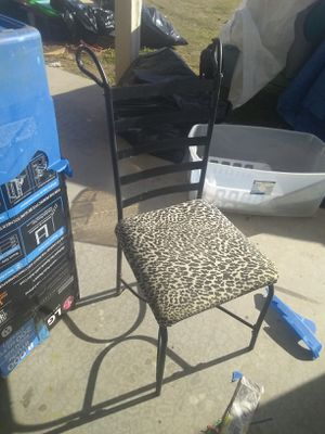 Chair for Sale in Hesperia, CA