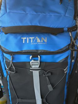 ARTIC TITAN BACKPACK for Sale in Chula Vista,  CA