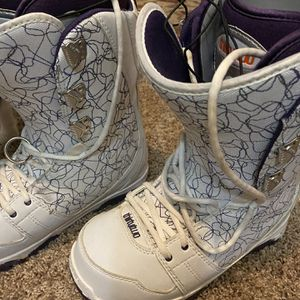 Womens ThirtyTwo prion Sz 9.5 Snowboard Boots. Used 1 Season. for Sale in Snoqualmie Pass, WA