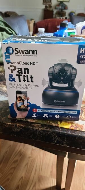 Swann pan and tilt security camera connect to your smartphone for Sale in Puyallup, WA