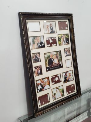 17 Collage picture frame for Sale in San Bernardino, CA