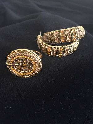 Set Gold yellow diamond and topaz belt ring and earrings for Sale in Tampa, FL