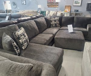 Large Sectional Sofa FREE Ottoman for Sale in Las Vegas, NV