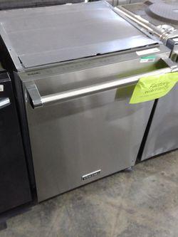 """Viking 24"""" Built-in Dishwasher for Sale in Pomona,  CA"""