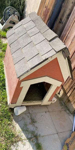 Dog House for Sale in Bakersfield, CA