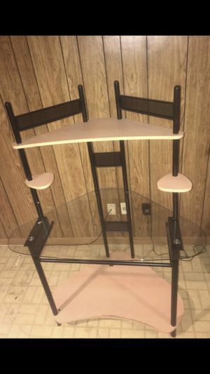 COMPUTER DESK NEED GONE ASAP for Sale in Crofton, MD