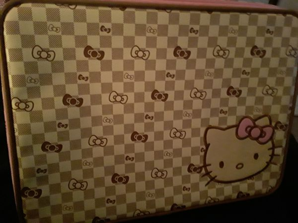 Sanrio Hello Kitty suitcase