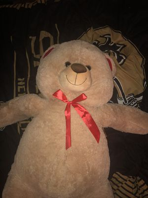 Huge teddy bear for Sale in Largo, FL