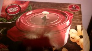 Die cust aluminum no stick cook pan for Sale in Queens, NY