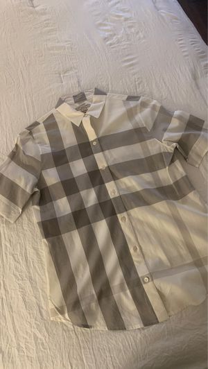 Burberry women shirt. Size M for Sale in Sunnyvale, CA