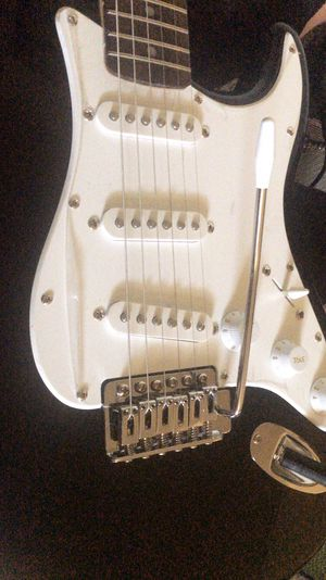 Stratocaster electric guitar for Sale in Fresno, CA