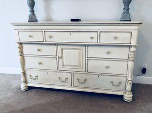 Beautiful Large Dresser for Sale in Murfreesboro, TN