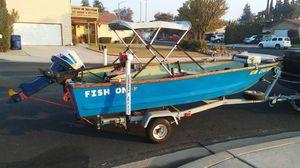 13' Fiberglass fishing boat for Sale in Clovis, CA