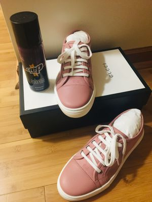 Gucci Sneakers Size 8 for Sale in Chicago, IL