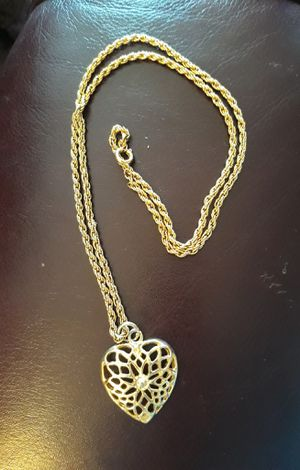 🌿❤Gold Look Heart Necklace ❤🌿 for Sale in Las Vegas, NV