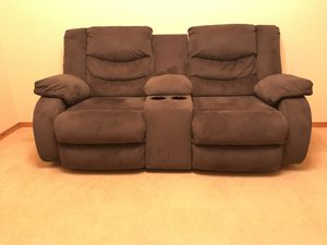 Reclining loveseat with storage console for Sale in Bothell, WA