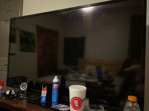 Vizio TV 60 inch