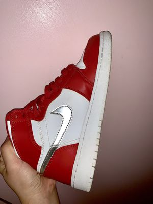 Jordan 1 retro white/red for Sale in University Park, MD