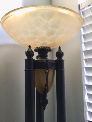 Floor Lamp for Sale in Chino Hills, CA