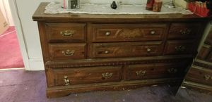 Bedroom dresser ....good condition for Sale in Valley Stream, NY