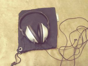 Bose headphones, very good condition, 25 dlls. for Sale in San Diego, CA