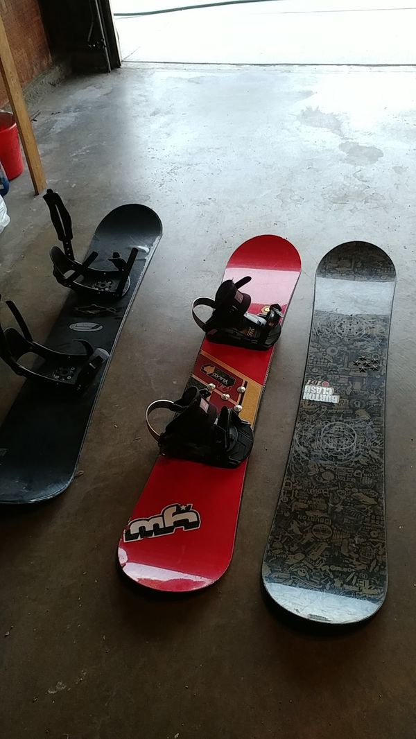 3 used snowboard