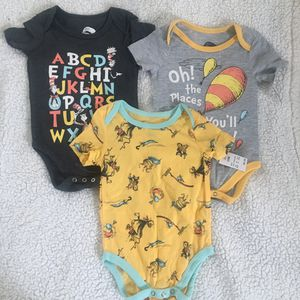New Dr Seuss Baby Onesie (12months) for Sale in Long Beach, CA
