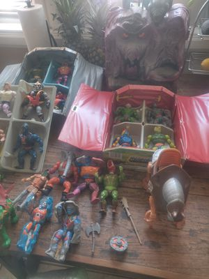 1982 Collection He-man snake mountain,22 action figures,1 war horse,one battle cat,2 collector case 3 weapon for Sale in Fontana, CA