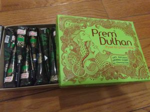 Henna tube (prem dulhan maroon color) no ppd no chemical for Sale in Jersey City, NJ